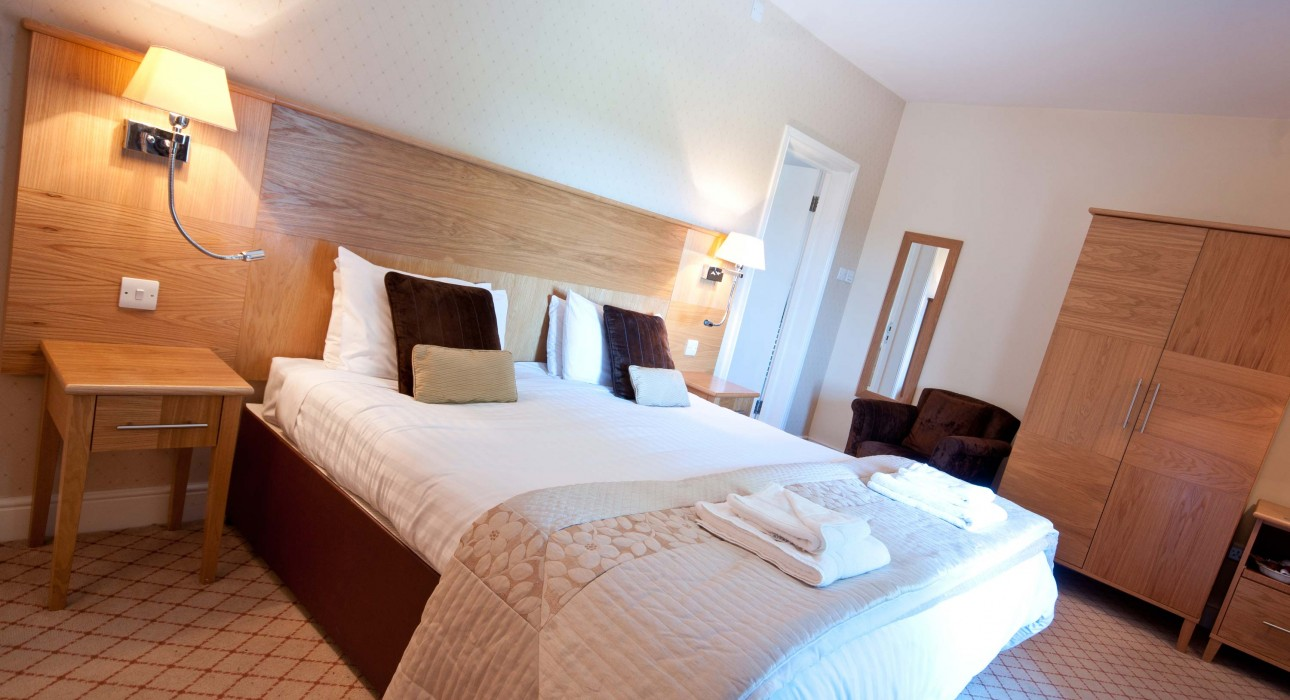 Luxury 4 Star en-suite room at Wortley Hall, Sheffield